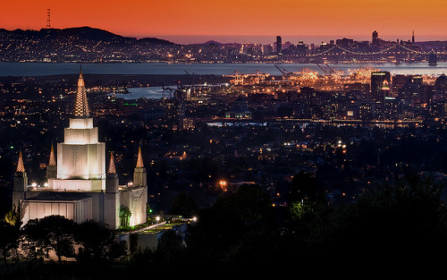 irealizeditwasonlyjustadream:  Oakland Temple at Sunset by Matt Granz Photography on Flickr.