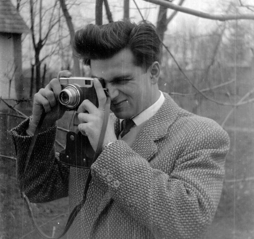Daily inspiration: Photographer from around 1955 (via: fortepan)