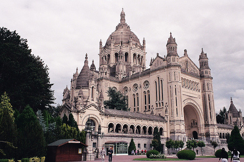 revoltings:  Basilica (by but_those_are)