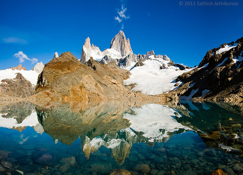 robot-heart:  The massif of Fitz Roy (by satosphere)
