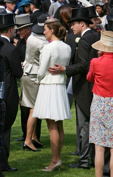 williamandcatherine:  Always so protective…lovely
