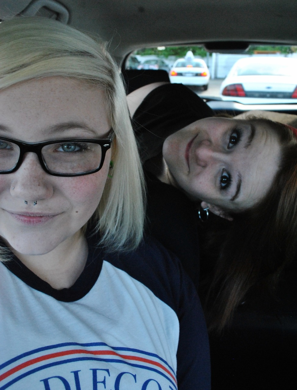 pounce-bounce:  Shes the cutest.  THIS IS SO OLD! Omg my hair. My hairrrrr