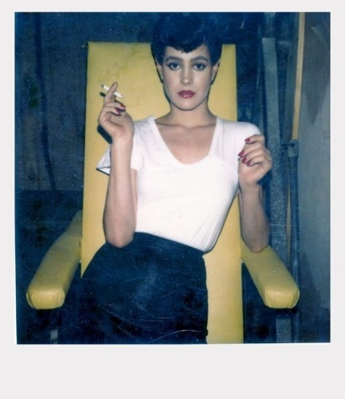 suicideblonde:  Sean Young on the set of Blade Runner in 1982  Thinking about dressing up as her for Halloween. Fuck this, I'm making myself a sandwich