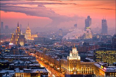 allthingseurope:  Moscow winter sunset (by Dmitry Mordolff)