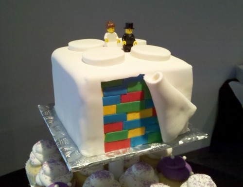 call-me-mentos:  I  want this cake for my wedding.
