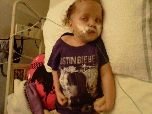 mindyourbieber:  please take your time to read this. This is Lizzie. She has a brain tumor and currently gets surgery almost everyday. She is only 4 years old and she just has ONE BIG DREAM. To meet Justin Bieber! Now i know tumblr can make people their dreams come true. i know we can help this girl making her dream come true. please reblog this and spread the world. it only takes 5 seconds for you and it could make a dream come true.