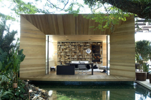 Wouldn't mind living here… (via The Cool Hunter - Loft 24-7 - Sao Paulo, Brazil)