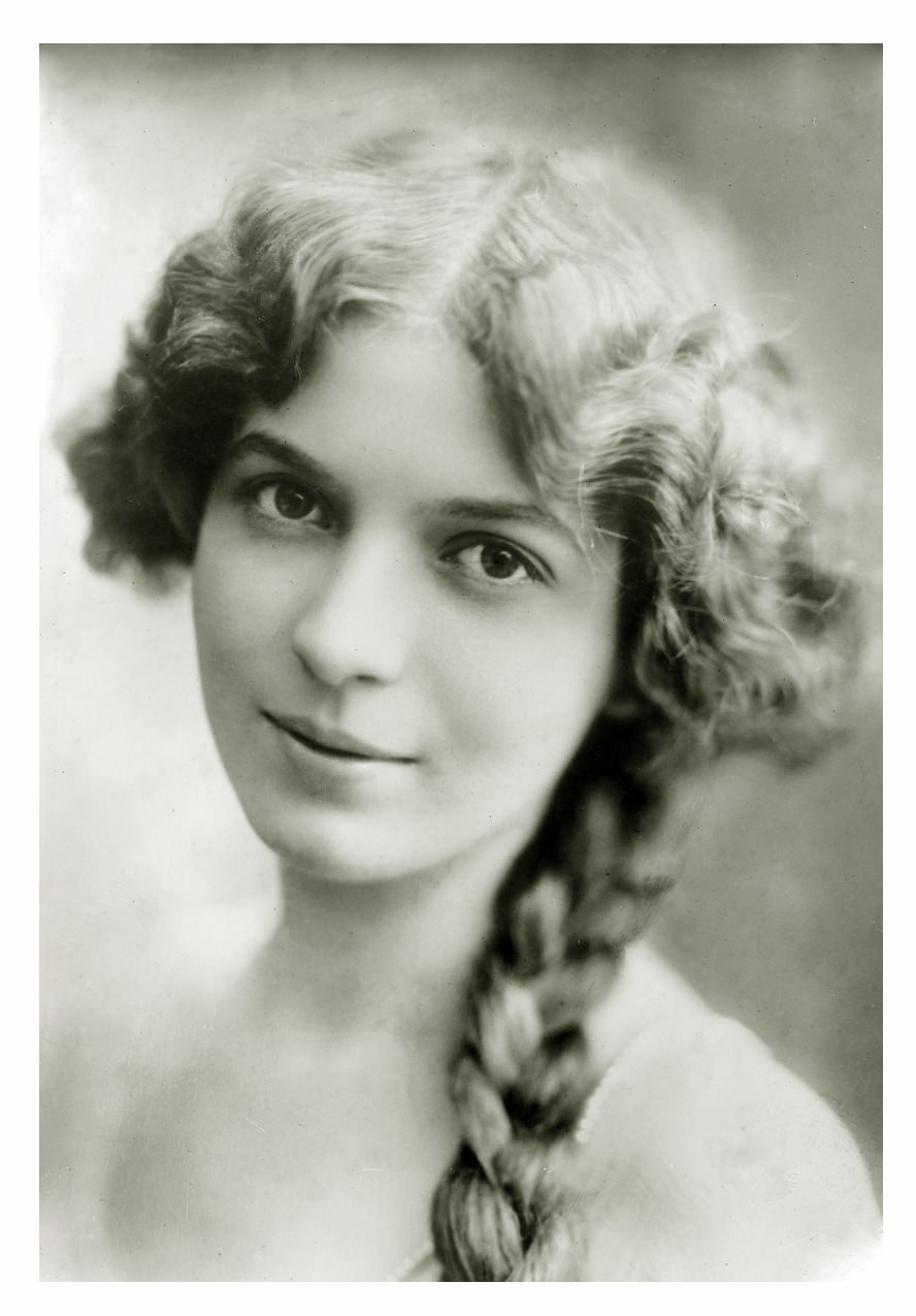 Stage Actress Ina Claire (1893 - 1985) - via