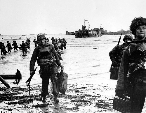 silliephillie:  Carrying full equipment on Omaha Beach.