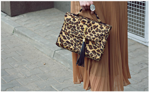leopard bag. (love the little tassle.)