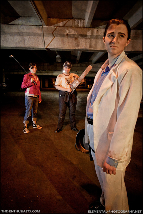 leauxwren:  Here's a shot from our Left 4 Dead photoshoot at ACEN 2011, taken by Elemental. elzombie as Zoey theta-doctor as Ellis and myself as Nick