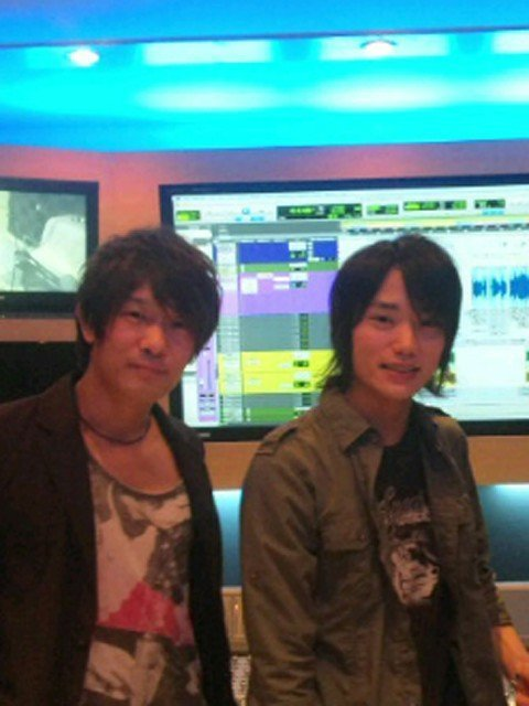 Forgot to update about Hiroyoshi Kozaki's blog entry with Shoon! Find it over here
