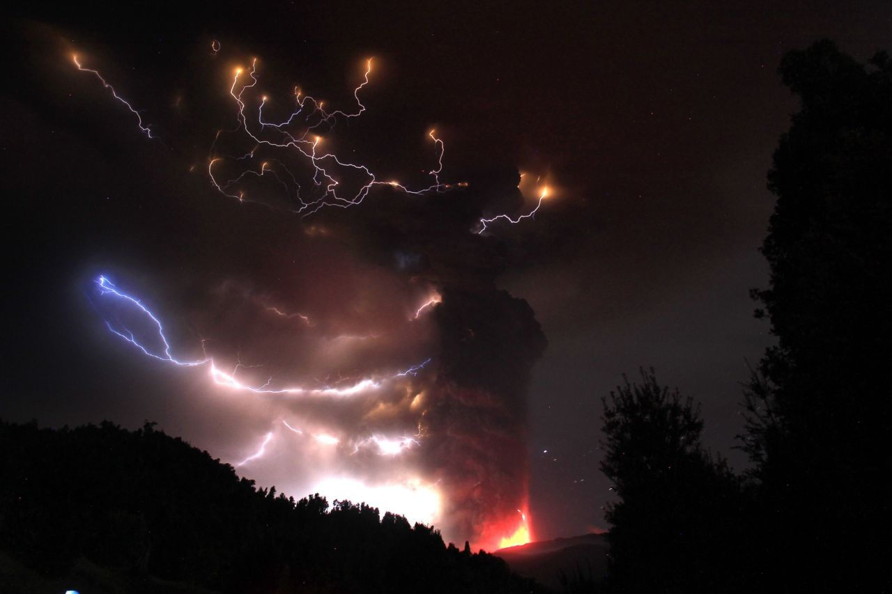 Photos of the dayLightning bolts strike around the Puyehue-Cordon Caulle volcanic chain near southern Osorno city, June 5, 2011. The volcano in the Puyehue-Cordon Caulle chain, dormant for decades, erupted in south-central Chile on Saturday, belching ash over 6 miles (10 km) into the sky, as winds fanned it toward neighboring Argentina, and prompted the government to evacuate several thousand residents, authorities said. (Ivan Alvarado/Reuters)
