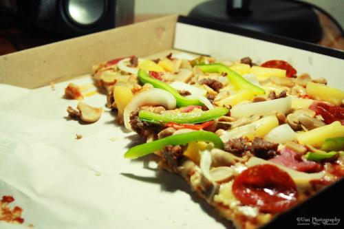 Who's up for some classic Pizza?  I'm not that hungry. :D