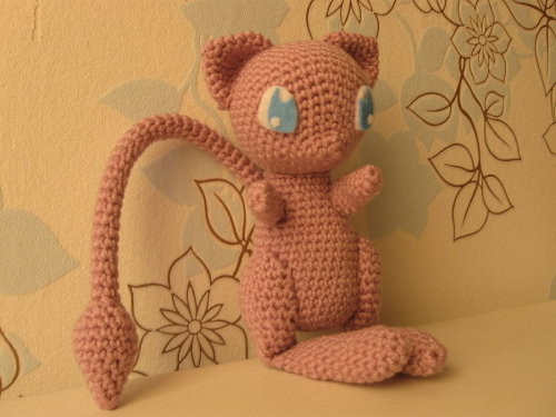 Mew, with link to pattern by ~Yuki87
