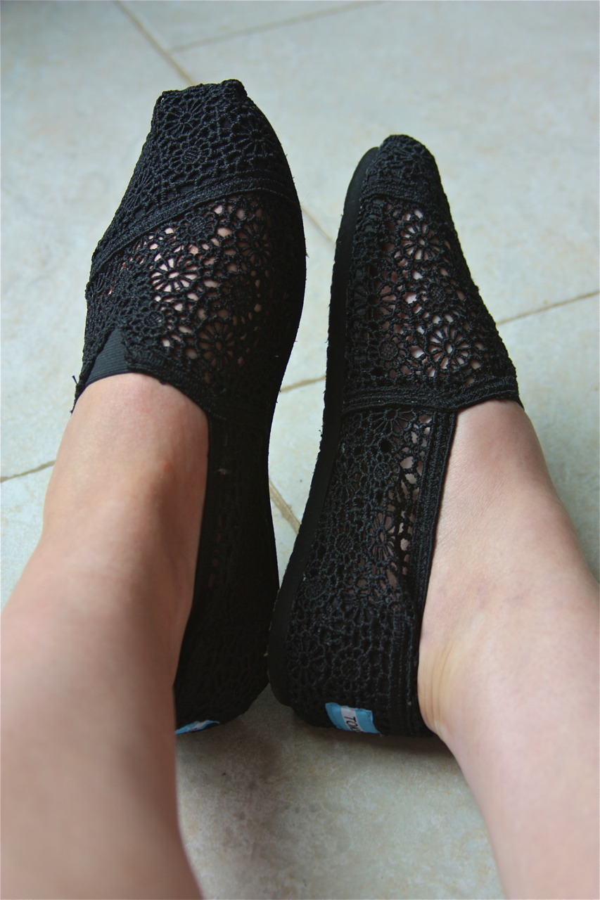 124/365 I wanted to show you my new Toms. They had come on Thursday but I didn't have time to show you til now. Also, you can see my somewhat tan legs. Woohoo!