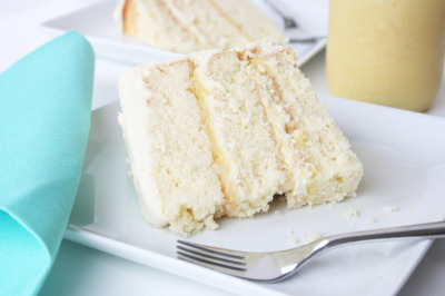(via Cafe Zupas » Blog Archive » Layered Coconut Cake with Lemon Curd   Fluffy Cream Cheese Frosting)