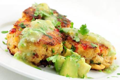 fantasticedibles:  Chipotle Spiced Crab Cakes with avacado and tomatillo sauce Recipe
