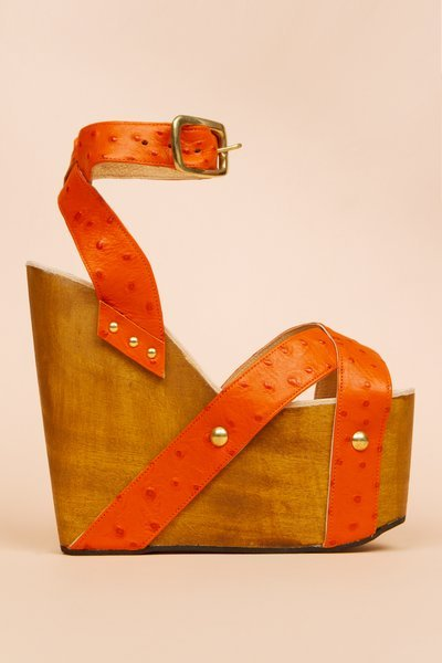 suicideblonde:  Charles Anastase Spring/Summer 2011 Althea Wedge  if only