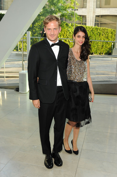 The Boss wearing a Thom Browne tux with his wife Ana at the CFDA Awards last night.