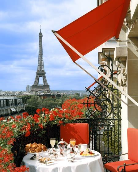 iving-in-luxury: Hotel Plaza Athenee, Paris, France