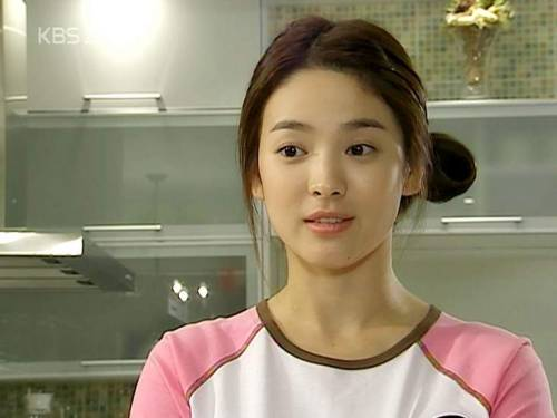 -Han Ji-eun- Song Hye-kyo is so cute! Lets watch Full House Again!