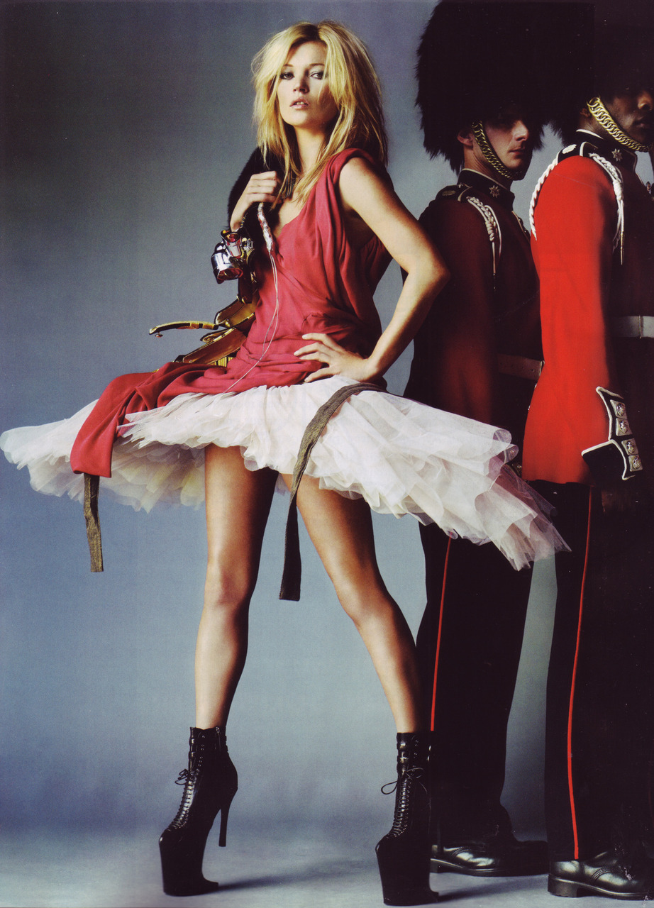 Love to love. Kate on guard. Kate Moss by Mario Testino for British Vogue, October 2009
