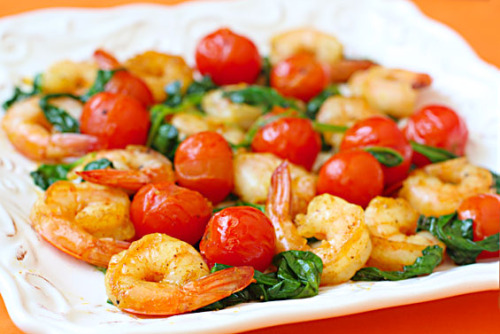nomnomism:  Sauteed Shrimp with Tomatoes and Spinach