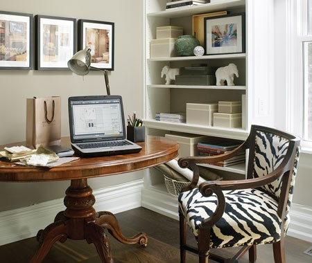 More advice on creating your home office: Home Office Design Tips from Canadian House & Home. (Photo by Donna Griffith) Small Home Office Design