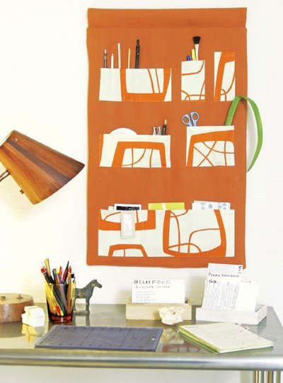 Sew your own wall pocket organizer!  (featured in Lotta Jansdotter's book Simple Sewing) Small Home Office Design