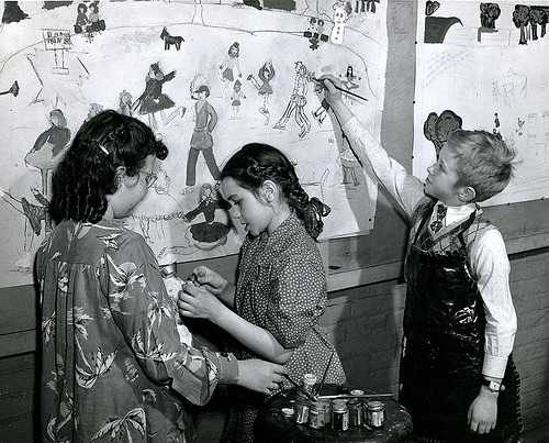 [Children's Saturday Morning Art Classes] (by Pratt Libraries)