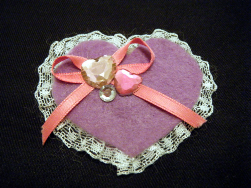 One of the cute hair clips that I have for sale on my blog! Please re-blog or pass the link along to anyone who you think would like them! I am trying to raise money to go visit my friend who is in the Army next month. I still need quite a bit of money and it would mean the world to me! http://www.kelsidoeshair.com