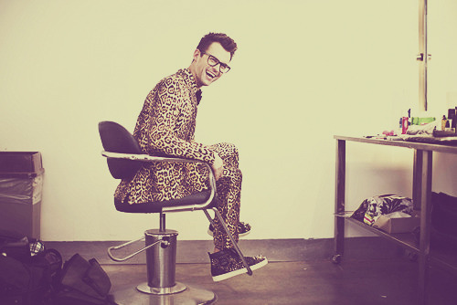 I just literally d-i-e-d! no man can rock a full leopard suit like @mrbradgoreski