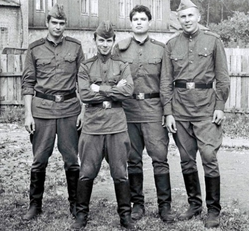 Soviet cadets… take a look at more of thardy's collection of photographs of Russian/Soviet soldiers, some of them scream soft-core.