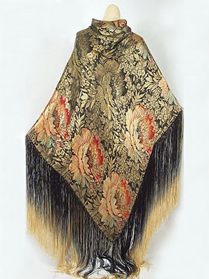 Oh my! Look at the ombre fringe! This is an Art Deco metallic brocade shawl with hand- knotted ombré silk fringe, c.1920.