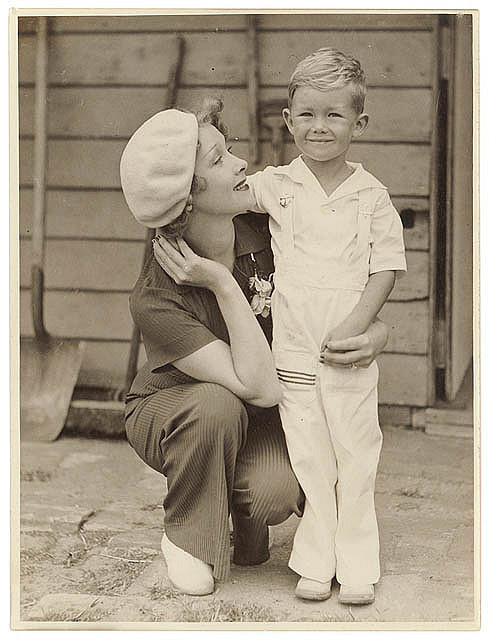purpleispretty:  Helen Twelvetrees and her son Jack Woody, Sydney, 1936 / Sam Hood by State Library of New South Wales collection on Flickr.