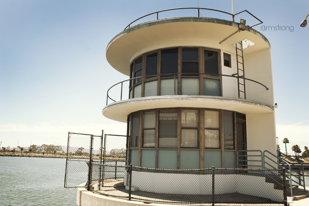 Some sort of marine office down by the aquarium, Long Beach Just found out that this building was in the background of the film 'Knight and Day' during one of the later scenes.  Awesome.