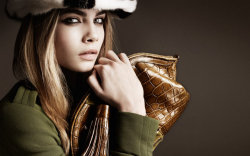 Burberry Fall 2011 ad campaign. I'm in the mood for bulky clothes with this cold and this thunderstorm.