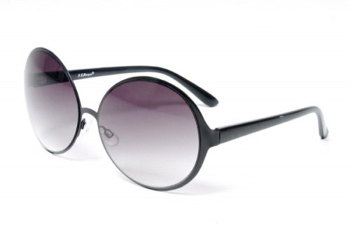 OAK is selling sunglasses like this for as low as $18!!! (click the link or pic for info)