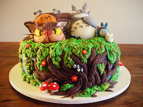 inkstone:  victorianmaiden:  Want!!  This is too pretty to eat.