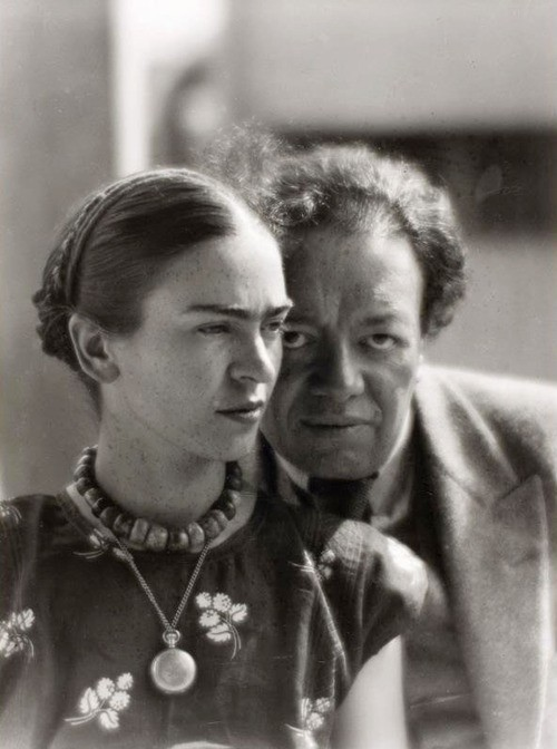 limmynem:  Frida Kahlo and Diego Rivera, Mexico 1933 -by Martin Munkácsi