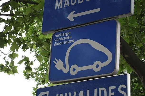 Paris to Launch the World's First Municipal Electric Vehicle Hire Scheme | This Big City Parisians will soon be zipping round Charles de Gaulle Etoile in  little blue bubble-like cars, as the world's first municipal electric  vehicle (EV) hire scheme gets underway. Mayor Bernard Delanoë has  pioneered the €110 million Autolib initiative to complement the Vélib bicycles, introduced in 2007. The fleet of 3,000 lithium battery-powered cars is designed by Italian partner Pininfarina, best known for their work on desirable brands like Alfa Romeo and Ferrari. Manufactured by French company Bolloré, they will be available later this year from 1,000 self-service hire points throughout the city. The four-seater 'Bluecars' will be able to travel about 250km on one  charge, with a full recharge taking around four hours. They're designed  for efficiency rather than pace: a top speed of 130km/h won't thrill  Jeremy Clarkson. But for people simply wanting a straightforward car to  hop across town in, they could be ideal. They come equipped with GPS and  an emergency call button in case of an accident. Subscription to the scheme costs just €12 a month, with additional  charges of €5 for the first half an hour of use, €4 for the next, and €6  for each subsequent 30-minute slot. The charging rates are clearly  designed to favour single, short-ish trips, rather than compete with  mainstream car hire schemes. Bluecar needs to attract just 160,000  subscribers to cover its costs, an achievable feat in a city where 58%  of the population do not own a car, and 16% of those who do use it less  than once a month.