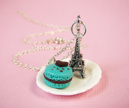 Mint and Chocolate Macaron by PetitPlat Food Art - Stephanie Kilgast on Flickr.