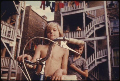 Boys in Brooklyn by Danny Lyon (taken in the summer of 1974). [via Kottke] Other pictures from that summer.