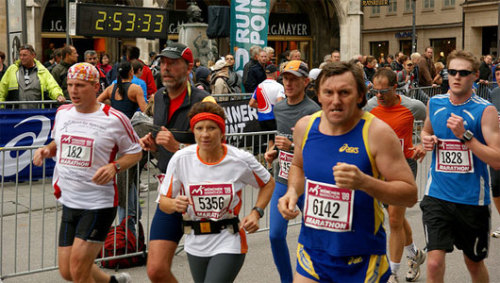 Study: Non-alcoholic beers may help runnersResearchers found that marathoners who drank non-alcoholic wheat beers were less likely to develop colds or infections after a race.