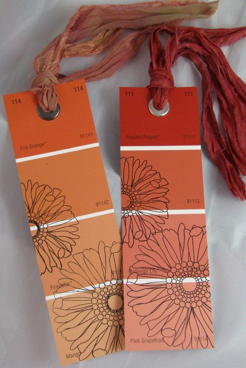Easy, colorful paint chip bookmarks! Plus, check out some of Bella Carta's other paint chip projects for inspiration. (via)