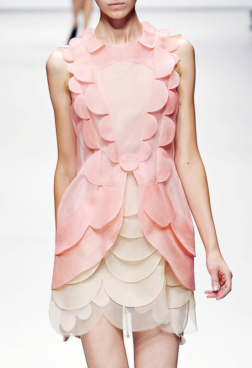 Pretty pink scallop-detailed dress. :) d-o-l-c-e:  oh yes, the light pink x