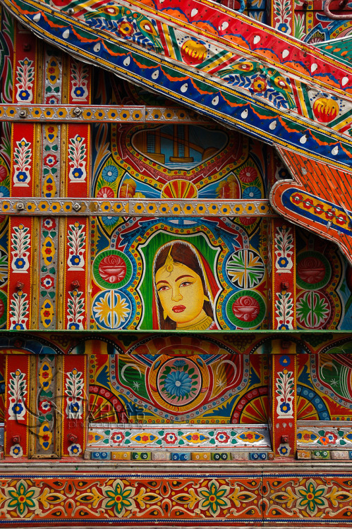 muslimerican:  Dazzling truck art from Pakistan. [image source]