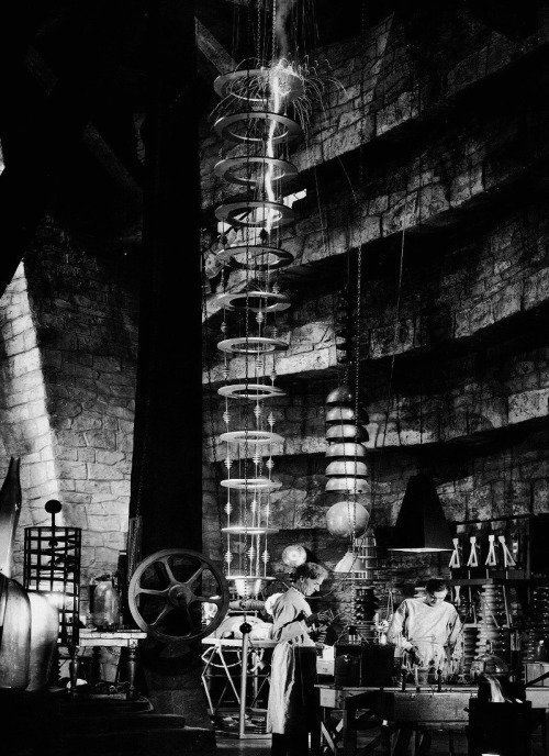 Dr. Frankenstein's laboratory in The Bride of Frankenstein (1935, dir. James Whale) (via) Set design by Charles D. Hall.
