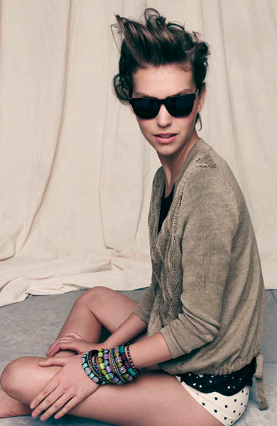 This is my favourite shot from the Madewell Looks We Love lookbook, featuring Arizona Muse. I love the combination of neutral colours, polka dots and the colourful bracelets. I might need all of those bracelets. Also, that girl has badass hair. Check out the rest of the images here.